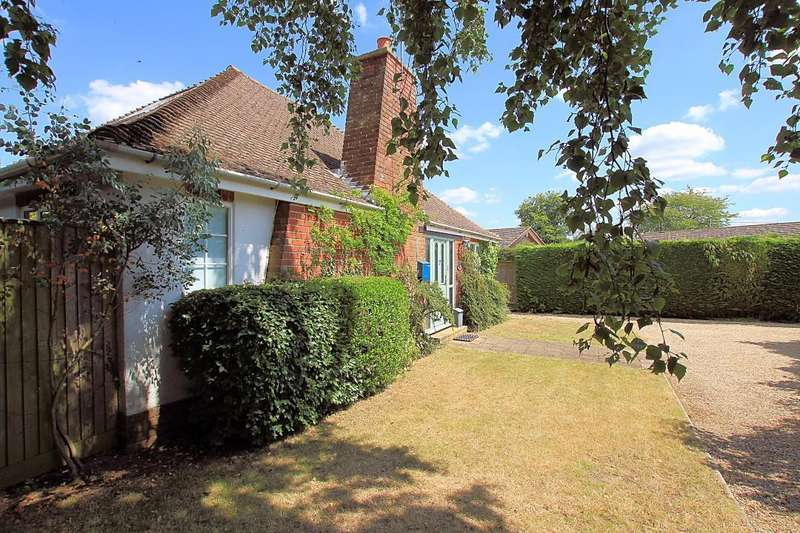 4 Bedrooms Detached House for sale in Rivacres, Whitchurch Hill, Reading, RG8