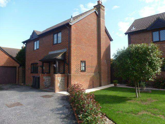 3 Bedrooms Semi Detached House for rent in The Russets Chestfield Whitstable CT5 3QG