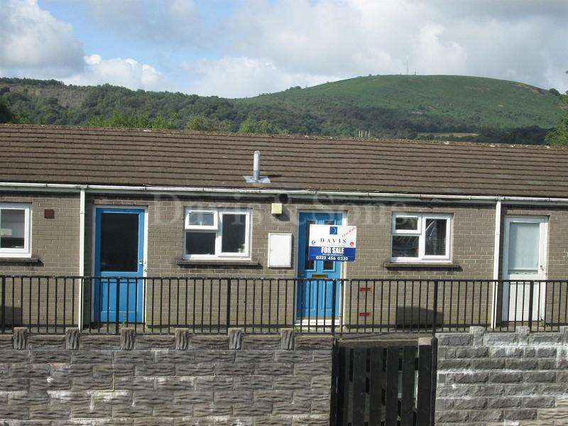 1 Bedroom Flat for sale in Manor Court Flats, Thistle Way, Risca, Newport. NP11 6PQ