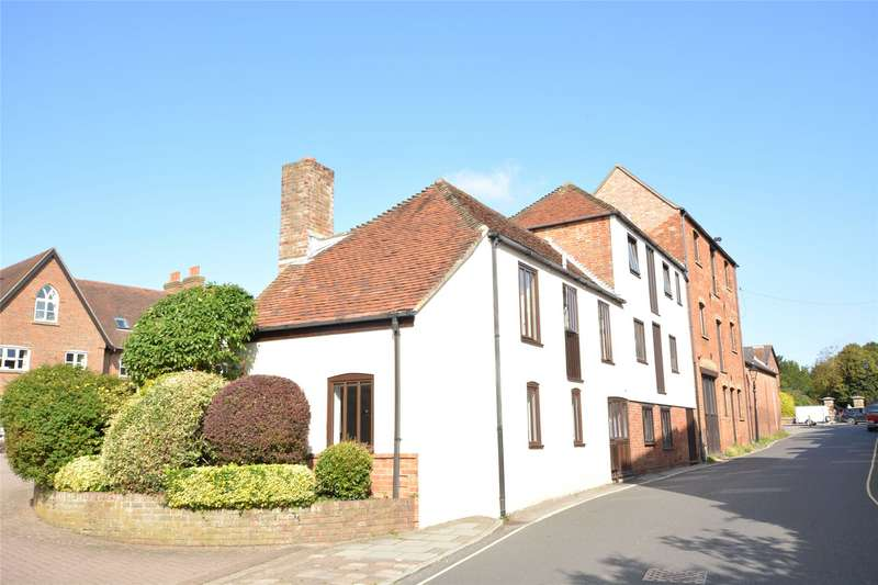 2 Bedrooms Barn Conversion Character Property for sale in Monmouth Mews, Church Lane, Lymington, Hampshire, SO41