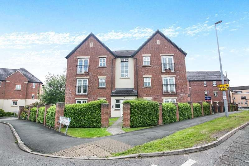 2 Bedrooms Apartment Flat for sale in Regency Walk, Middlewich, Cheshire, CW10