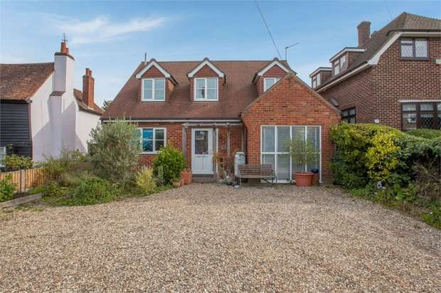 4 Bedrooms Detached House for sale in North Road, Havering-Atte-Bower, Romford, Greater London