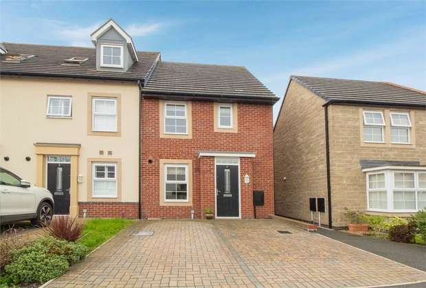 3 Bedrooms Semi Detached House for sale in Lune Road, Clitheroe, Lancashire