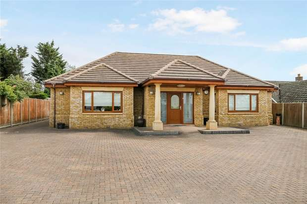 4 Bedrooms Detached Bungalow for sale in Milton Road, Clapham, Bedford