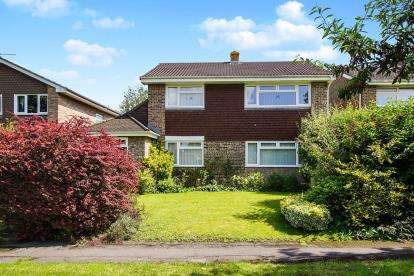 4 Bedrooms Detached House for sale in Charles Close, Thornbury