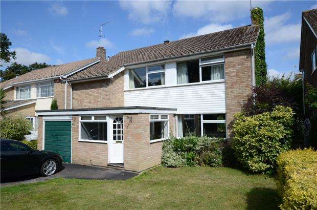4 Bedrooms Detached House for sale in Tower Close, Emmer Green, Reading