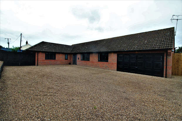 4 Bedrooms Property for sale in Colchester Road, St Osyth, CO16