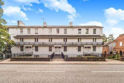 2 Bedrooms Flat for sale in Priory Terrace, Roise Street, Bedford, Bedfordshire