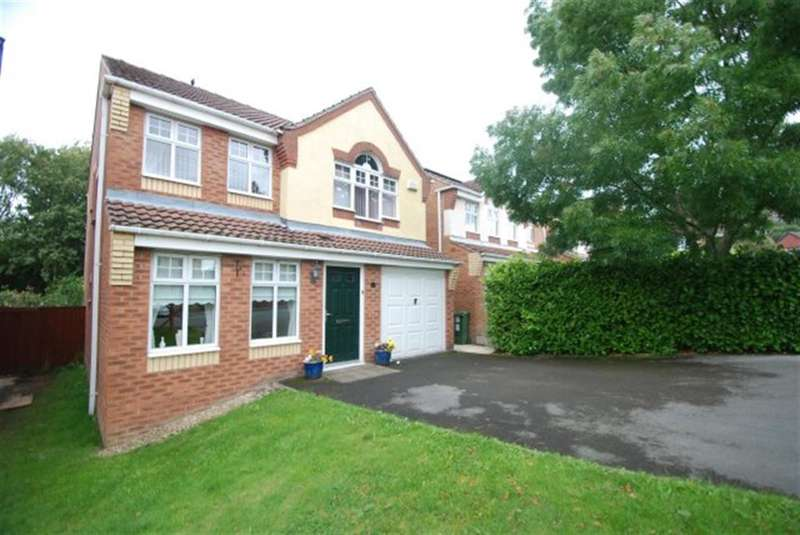 4 Bedrooms Detached House for sale in Crowswood Drive, Stalybridge, SK15 3RJ