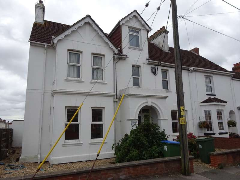 3 Bedrooms Ground Flat for rent in Ludlow Road, Itchen, Southampton