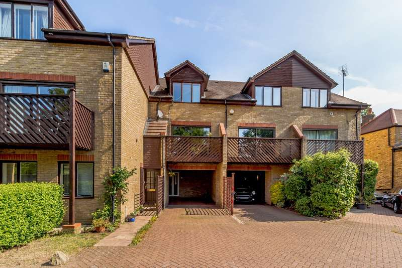 3 Bedrooms Town House for sale in Sandy Lane, Teddington, TW11