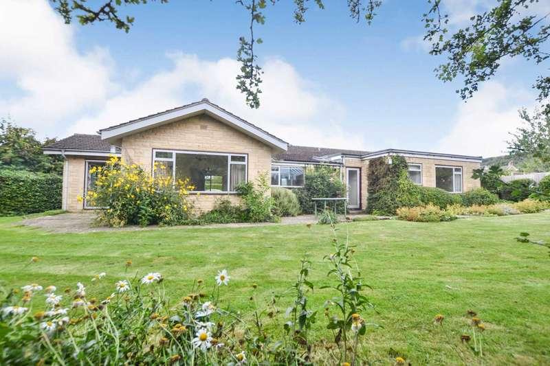 3 Bedrooms Detached House for sale in Hillside Close, Woodmancote, Cheltenham, Gloucestershire