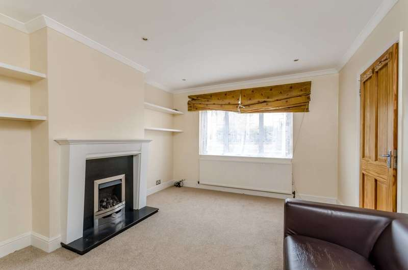 3 Bedrooms Terraced House for rent in Plough Lane, Wimbledon, SW19