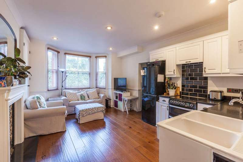 2 Bedrooms Flat for sale in Knatchbull Road, Brixton, SE5