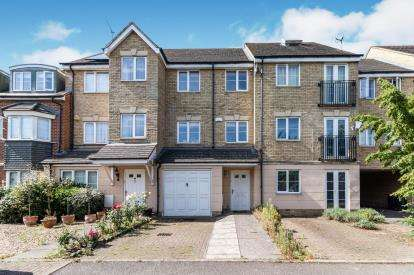 3 Bedrooms Terraced House for sale in Lindler Court, Leighton Buzzard, ., Bedfordshire