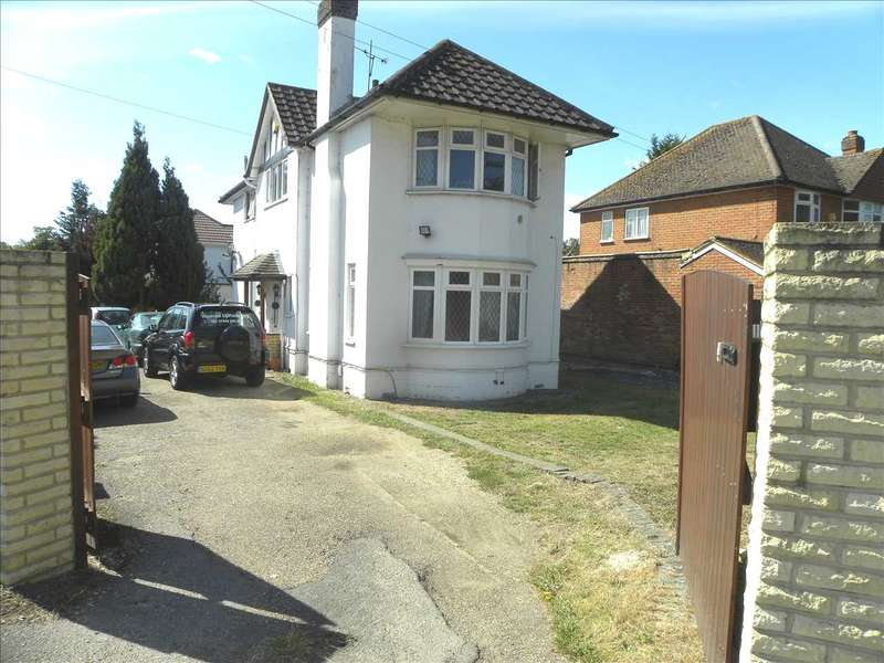 4 Bedrooms Detached House for sale in London Road, Slough