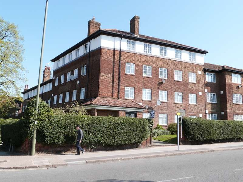 2 Bedrooms Flat for sale in HENDON PARK MANSIONS QUEENS ROAD, HENDON, London, NW4