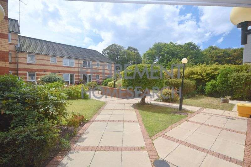 2 Bedrooms Property for sale in Homecolne House, Cromer, NR27 9EF