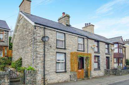 2 Bedrooms End Of Terrace House for sale in Manod Road, Blaenau Ffestiniog, Gwynedd, ., LL41