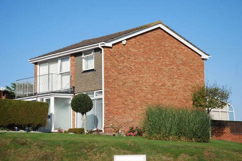 4 Bedrooms Property for sale in Seaton Close Babbacombe, Torquay