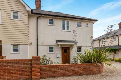 2 Bedrooms Mews House for sale in Cambridge Road, Stansted, Essex