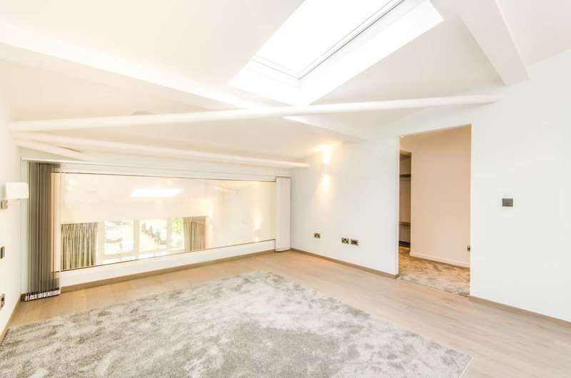 2 Bedrooms Flat for rent in The Loft House, Fulham, SW6