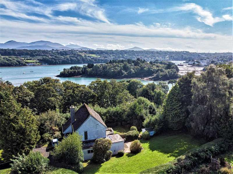 4 Bedrooms Detached House for sale in The White House, Menai Bridge