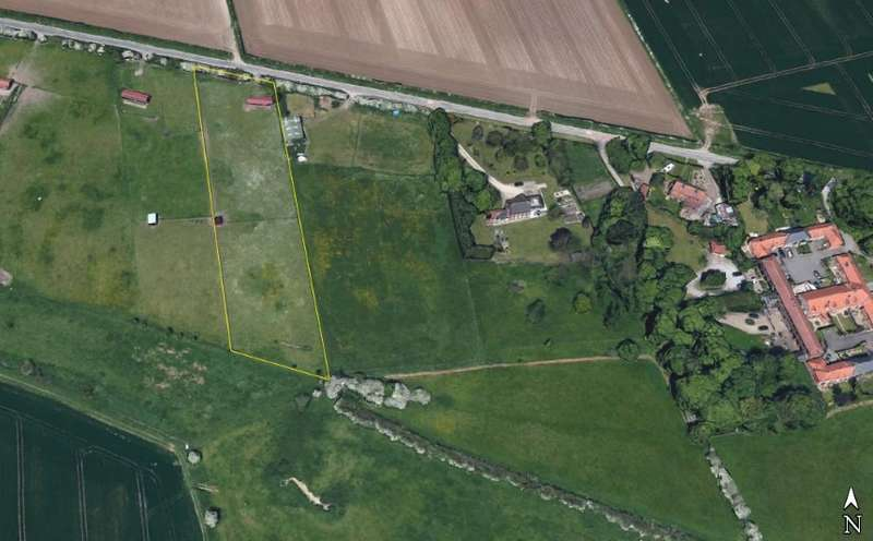 Farm Land Commercial for sale in Paddock & Stables, White Gap Road, Little Weighton, East Yorkshire