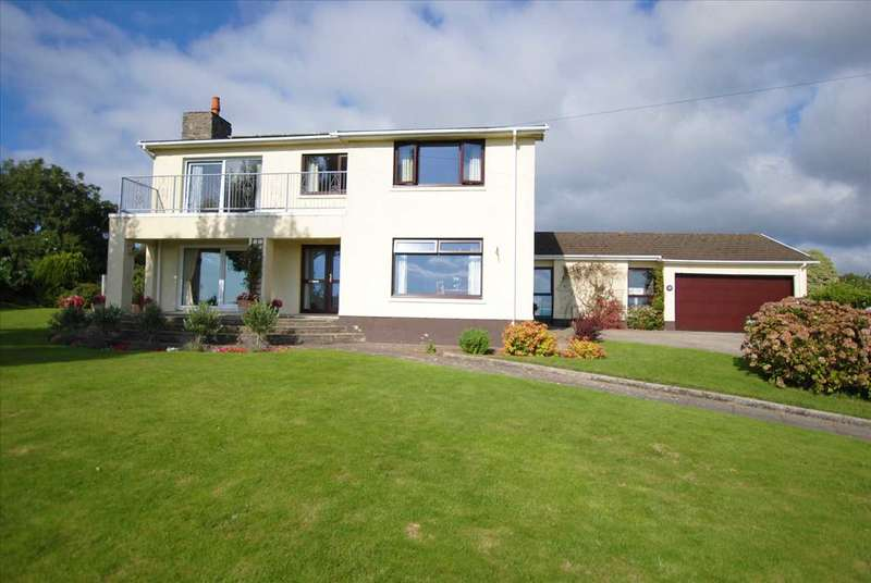 5 Bedrooms Detached House for sale in 10 Lighthouse Drive