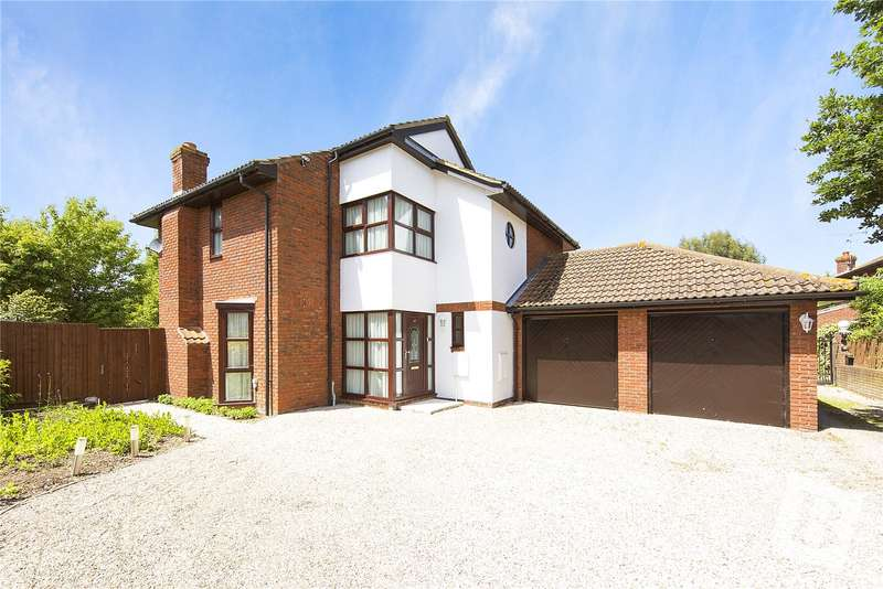 4 Bedrooms Detached House for sale in Wheatfield Way, Langdon Hills, Essex, SS16
