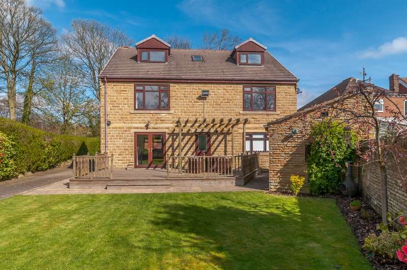 6 Bedrooms Detached House for sale in Sherburn Grove, Birkenshaw, West Yorkshire, BD11