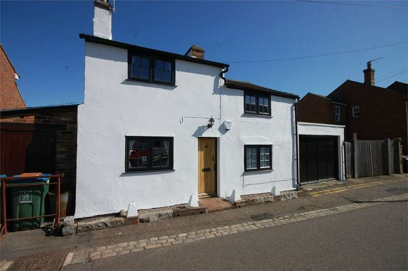 3 Bedrooms Detached House for sale in Walton Green, Aylesbury, Buckinghamshire