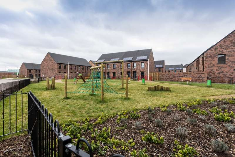 3 Bedrooms Semi Detached House for sale in The Coburn Muirton Living, 2 Lapwing Drive, Perth, PH1