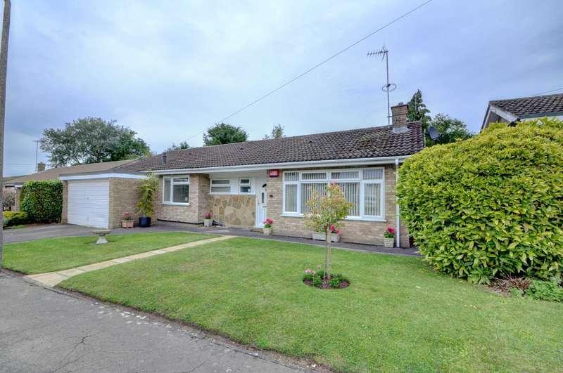 3 Bedrooms Detached Bungalow for sale in Dovecote Close, Princes Risborough
