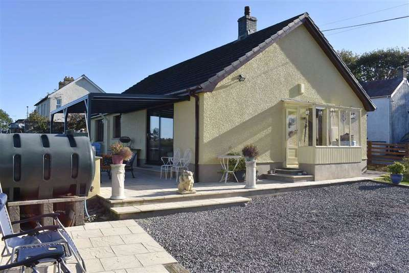 2 Bedrooms Detached Bungalow for sale in New Inn, Pencader