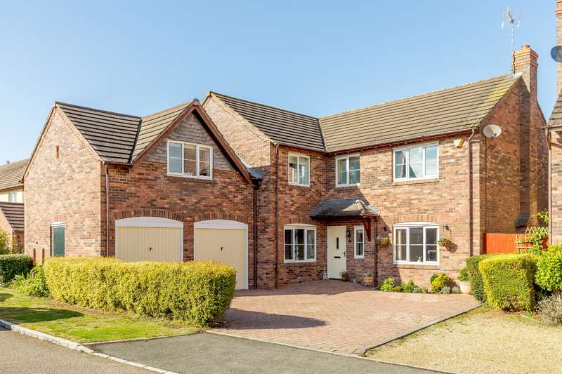 5 Bedrooms Detached House for sale in Hawkhurst Drive, Hill Ridware
