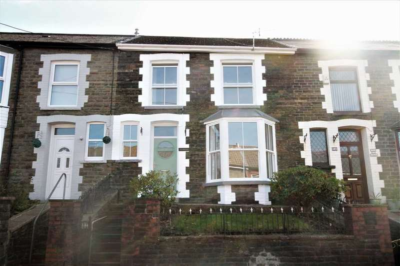 3 Bedrooms Terraced House for sale in Bronllwyn Road, Gelli