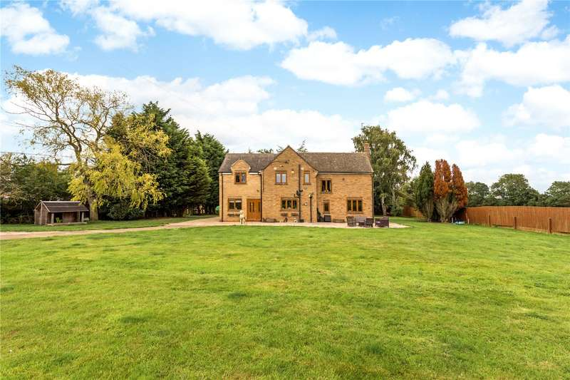 5 Bedrooms Detached House for sale in Waters Lane, Middleton Cheney, Banbury, Northamptonshire, OX17