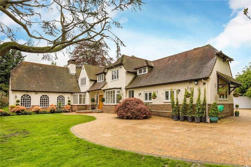 5 Bedrooms Detached House for sale in Lunghurst Road, Woldingham, Surrey, CR3