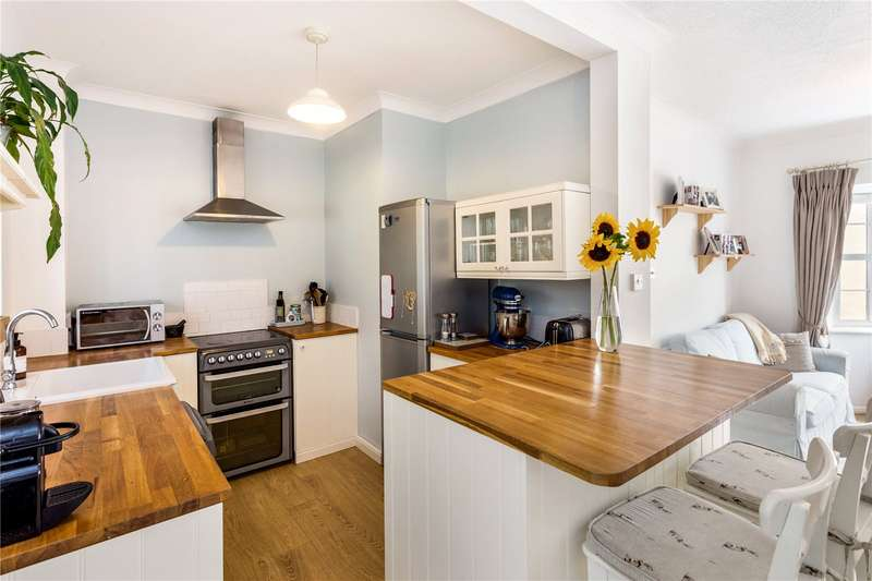 4 Bedrooms Terraced House for sale in Avon Place, River Street, Pewsey, Wiltshire, SN9