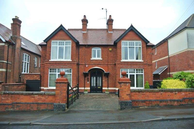 4 Bedrooms Detached House for sale in Denmark Road, Kingsholm, Gloucester