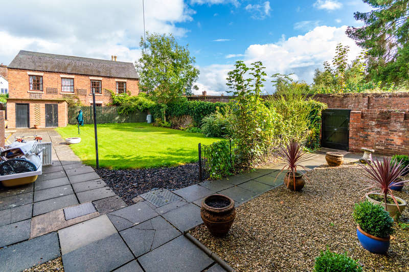 3 Bedrooms Flat for sale in High Street, Bewdley
