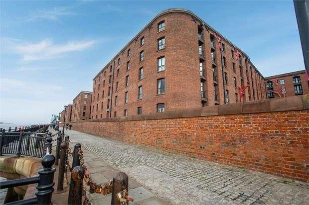 2 Bedrooms Flat for sale in Albert Dock, Liverpool, Merseyside