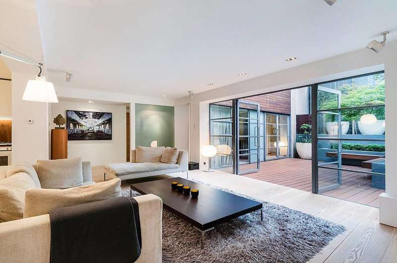 2 Bedrooms Flat for sale in New North Street, Bloomsbury, WC1N