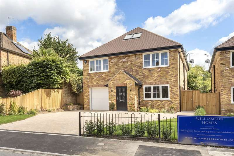 4 Bedrooms Detached House for sale in Broom Hill ONLINE, Stoke Poges, Buckinghamshire, SL2