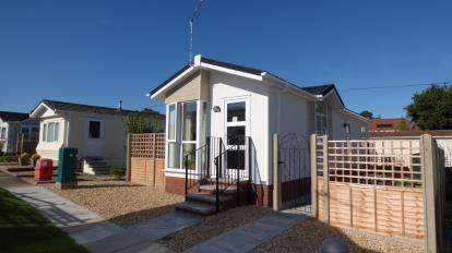 Detached House for sale in Broadway Park, The Causeway, Petersfield
