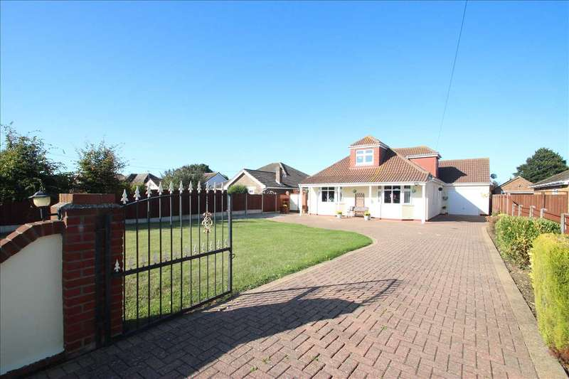 4 Bedrooms Bungalow for sale in Point Clear Road, St. Osyth