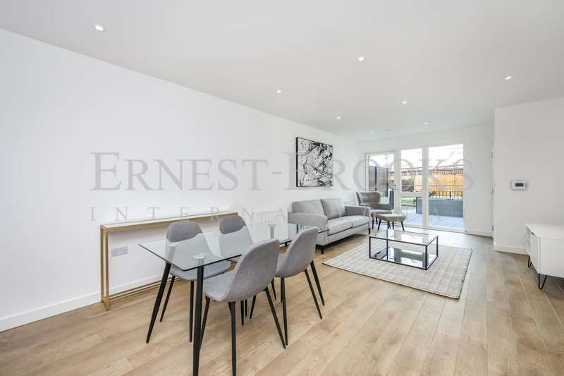 2 Bedrooms Apartment Flat for sale in Southmere House, Legacy Wharf, 1 Highland Street, London, E15