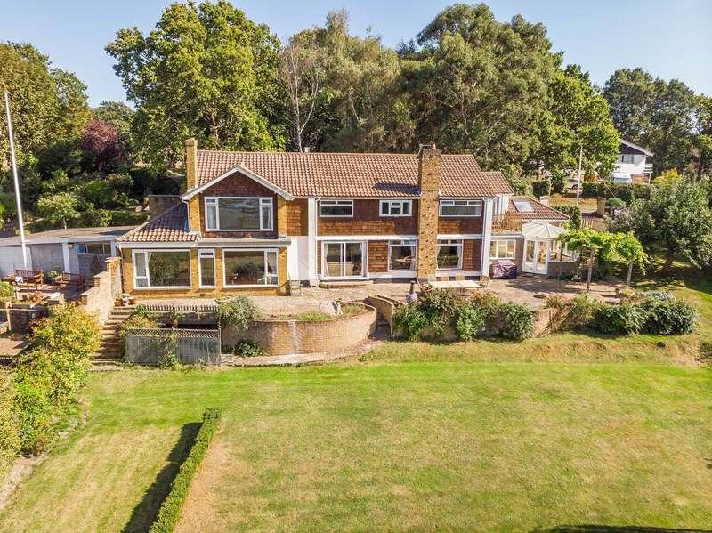 5 Bedrooms Property for sale in Thornton Avenue, Warsash, Southampton, Hampshire. SO31 9FJ