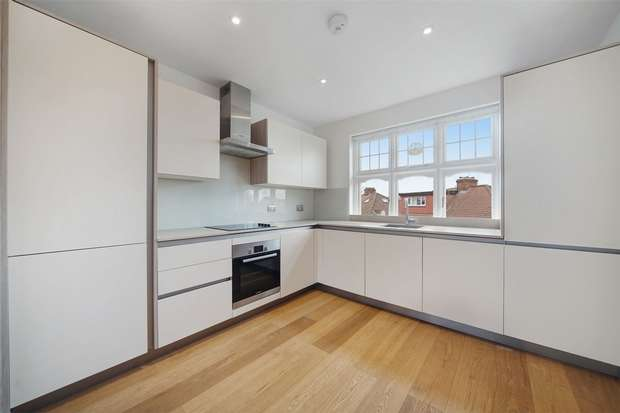 3 Bedrooms Flat for sale in Anson Road, Cricklewood, London